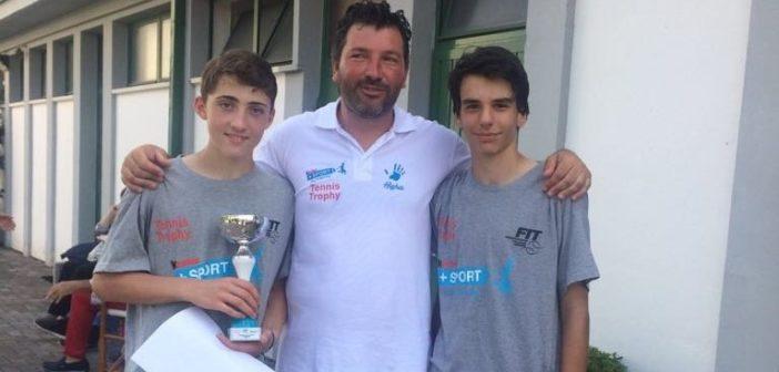 Filippo Bongiasca (a sinistra) premiato a Montichiari