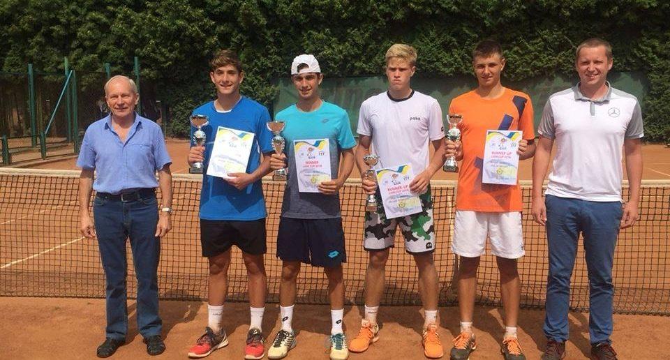 Le premiazioni a Leopoli (da Tennis World Italia Regioni)